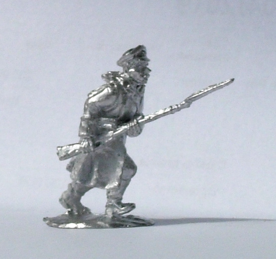 Soldier in greatcoat, 1914-1922; 28 mm