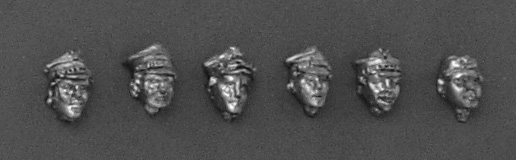 Set of four female heads in cap rogatywka and one - in garrison cap; 28 mm