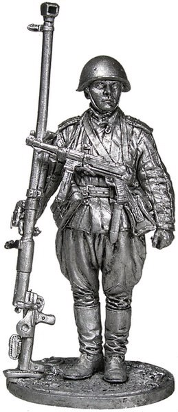 Antitank rifle gunner, junior sergeant, Soviet Union, 1943-45; 54 mm