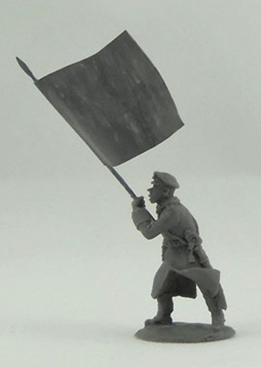 Standard bearer in a greatcoat; 28 mm
