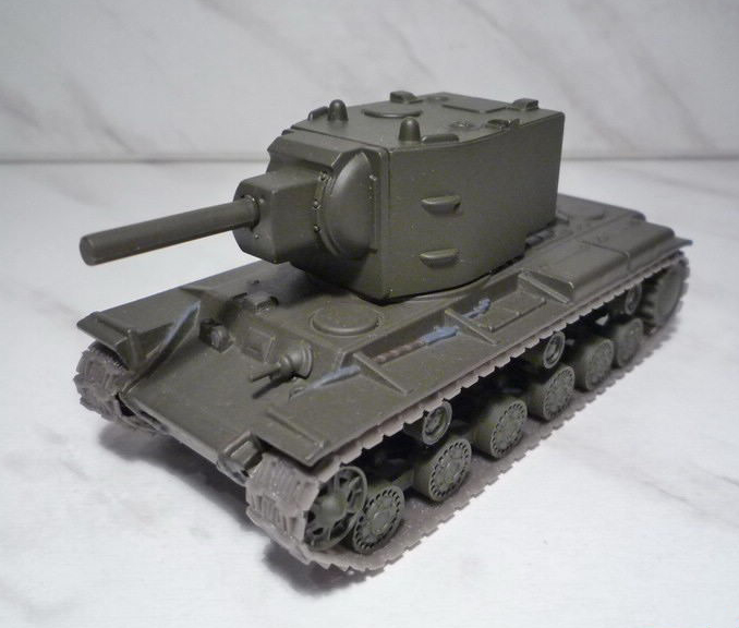KV-2 - Soviet heavy assault tank; 1/72