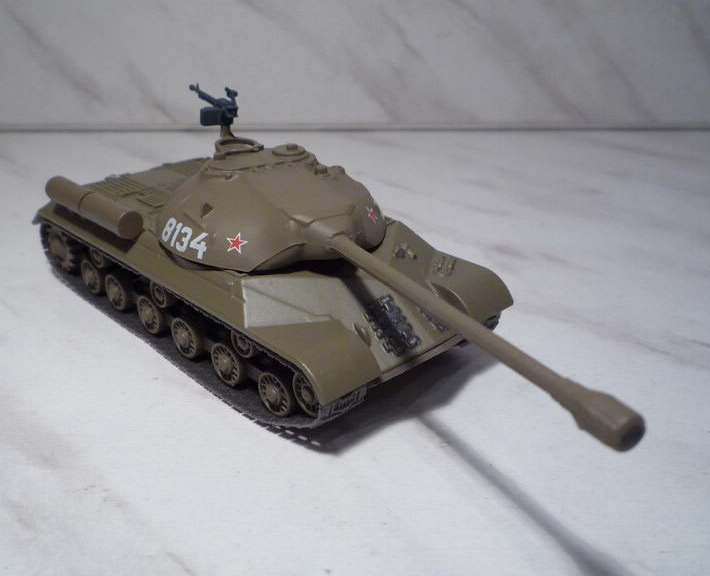 IS-3 - Soviet heavy tank ; 1/72